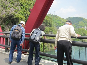 橋の上から.JPG