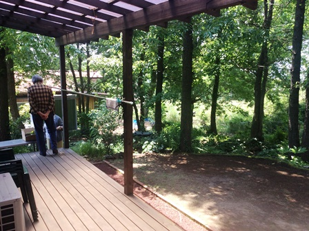 自然のクヌギの木を生かしたお庭.JPG