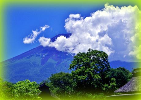 1-1-1 世界の夏富士・忍野八海--湧池にて-x.jpgのサムネール画像