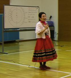 20101230フォークダンス1,.JPG