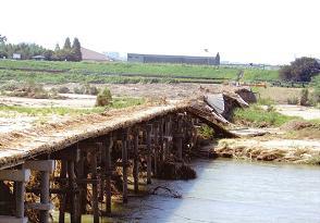 20110923流れ橋2.JPG