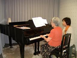20120618 70歳からのピアノレッスン.JPG