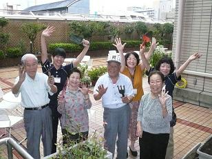 花の友クラブ集合写真15%.JPG